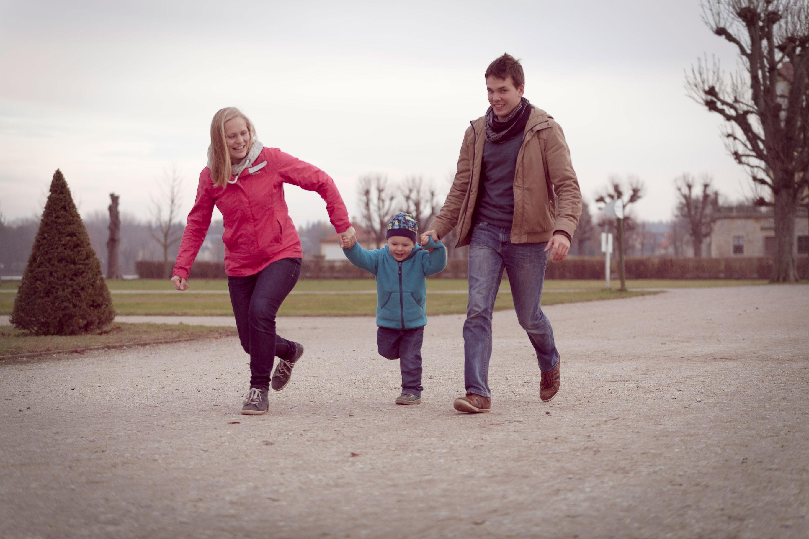 Familienfotograf Dresden Familienfotos Dresden Familienfotos Outdoor Familienfotos draußen Gruppenfotos Gruppenshooting Familienshooting